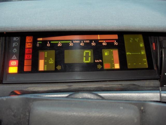 Renault 11 digital dashboard